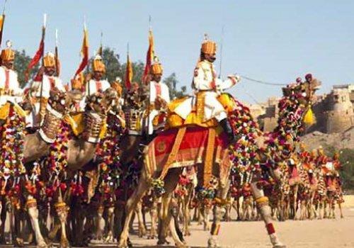 פסטיבל גמלים בהודו - דיוואלי